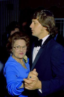 Parramatta Mayoral Ball 1976 : couple dancing