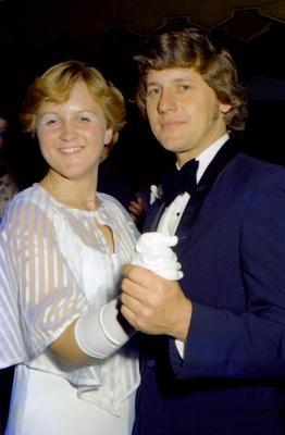 Parramatta Mayoral Ball 1976 : Debutant and companion dancing