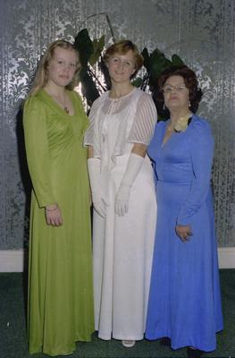 Parramatta Mayoral Ball 1976 : Debutant and two women