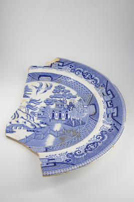 Transfer printed 'Willow' printed dinner plate